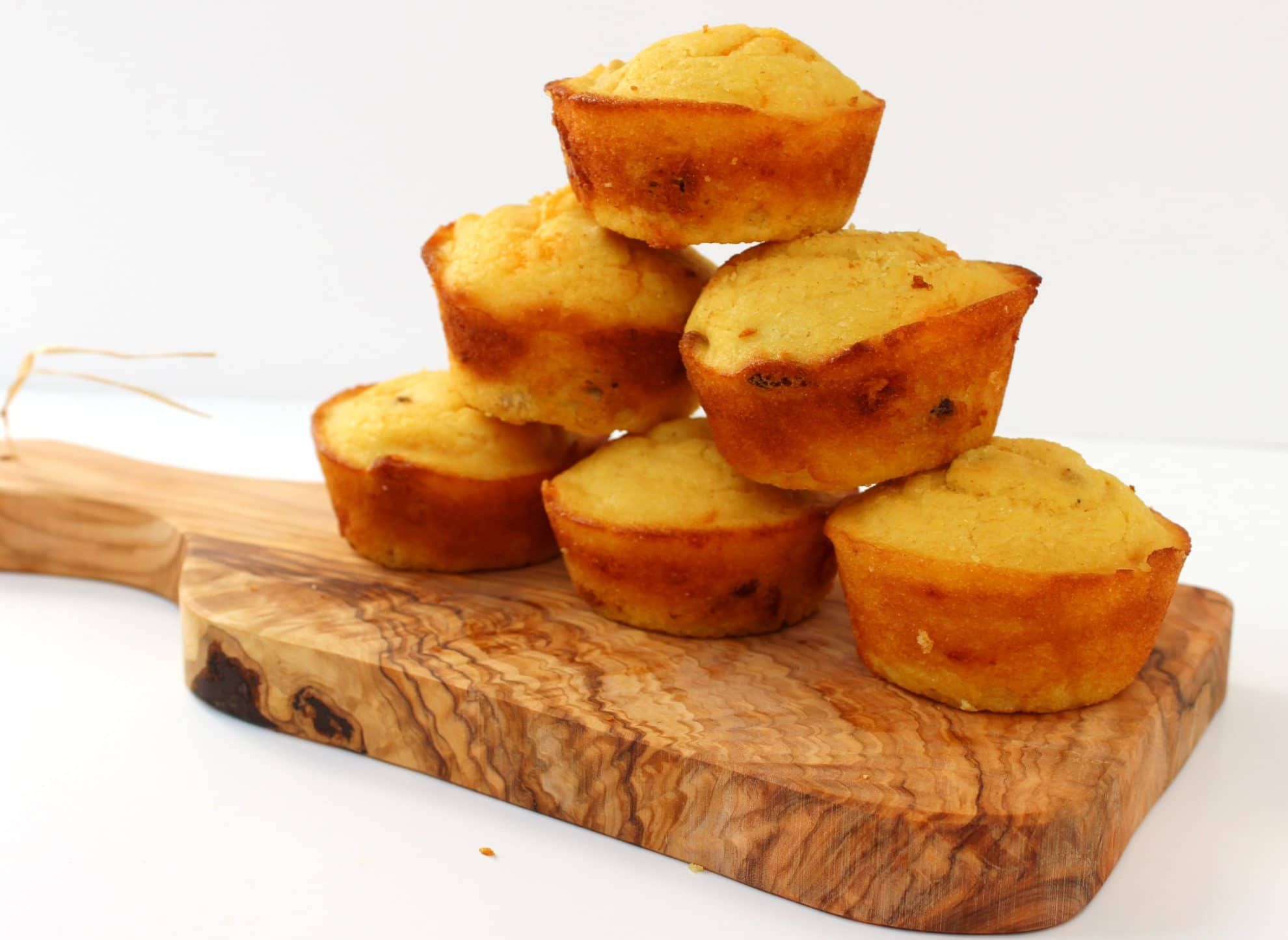 Bacon and Cheddar Corn Bread Muffins - The Suburban Soapbox