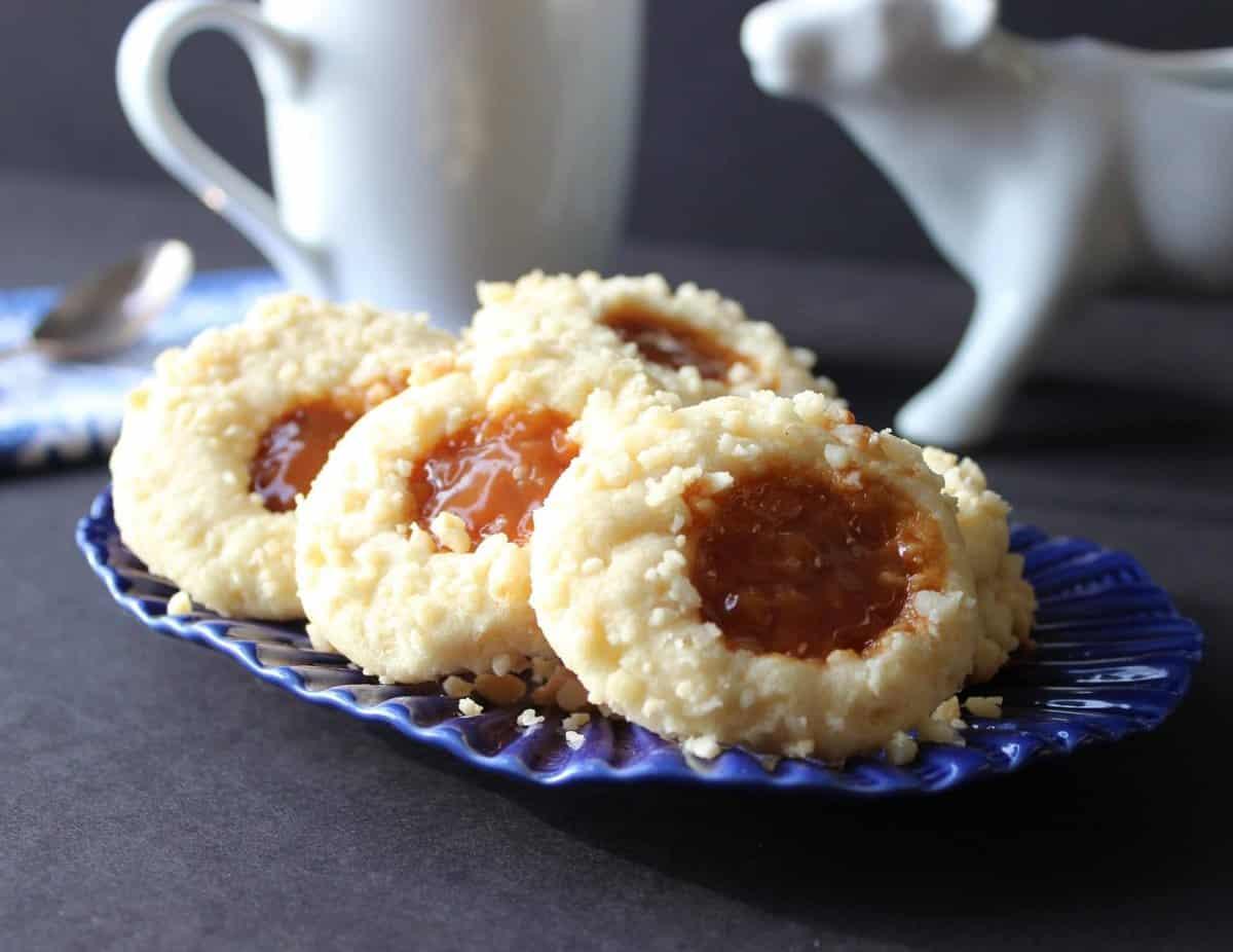 Macadamia Butter and Caramel Cookies