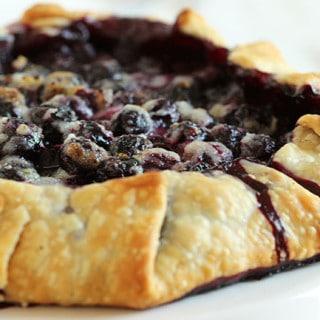 Blueberry Crostats 3Simple Blueberry Crostata | The Suburban Soapbox #blueberrycrostata