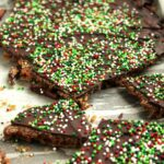 Chocolate Covered Pretzel Toffee | The Suburban Soapbox
