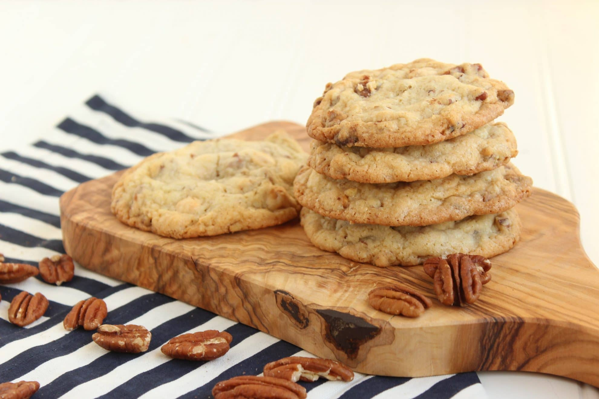 White Chocolate Toasted Pecan Cookies