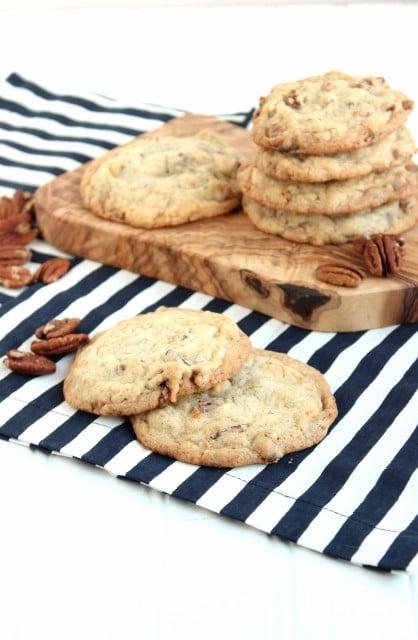 White Chocolate Toasted Pecan Cookies - The Suburban Soapbox