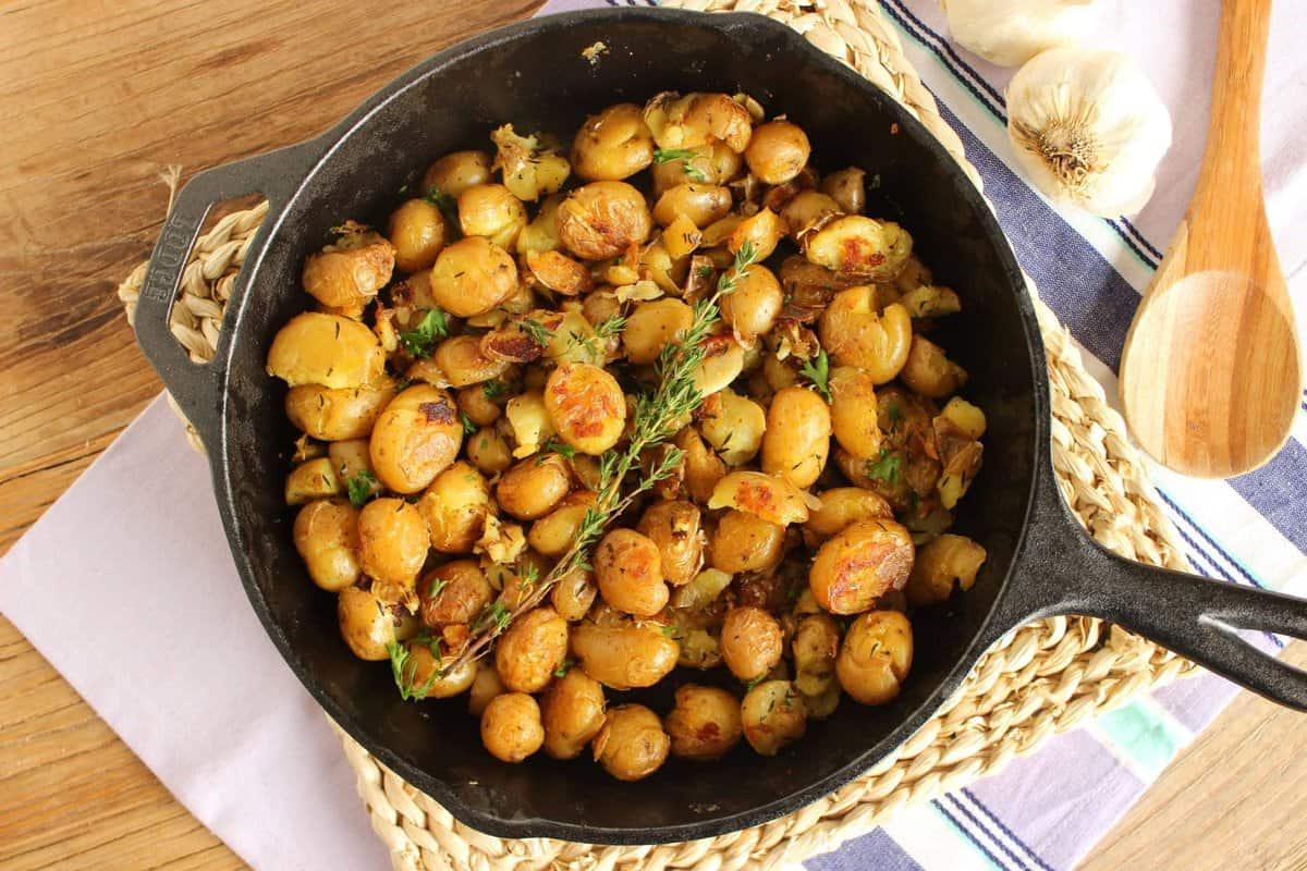 ... ://thesuburbansoapbox.com/2014/02/18/crispy-smashed-skillet-potatoes