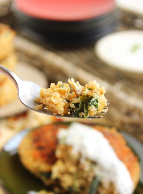 Cheesy Spinach-Artichoke Quinoa Cakes with Lemon-Caper Sauce | The Suburban Soapbox