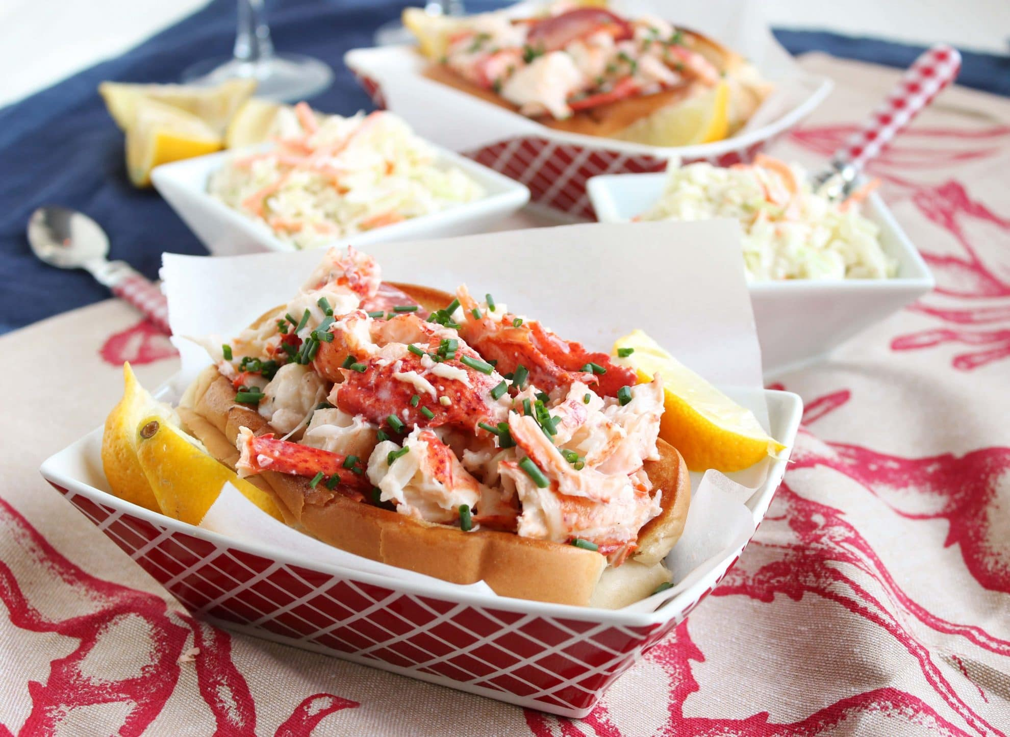 Easy Classic Lobster Rolls