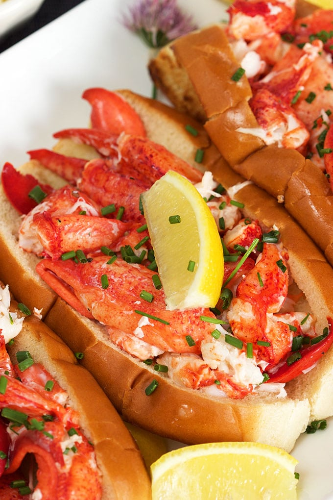 Easy Classic Lobster Rolls // Video - The Suburban Soapbox