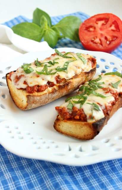 Easy Bolognese French Bread Pizza | The Suburban Soapbox
