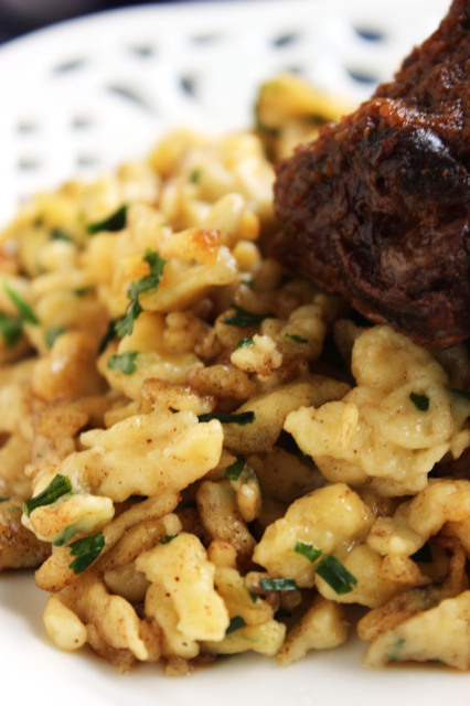 Slow Cooker Braised Short Ribs with Herbed Spaetzle | The Suburban Soapbox
