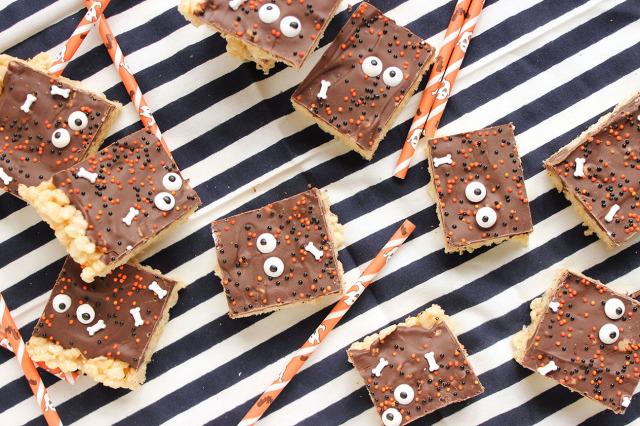 Chocolate Covered Rice Krispie Peeps | The Suburban Soapbox
