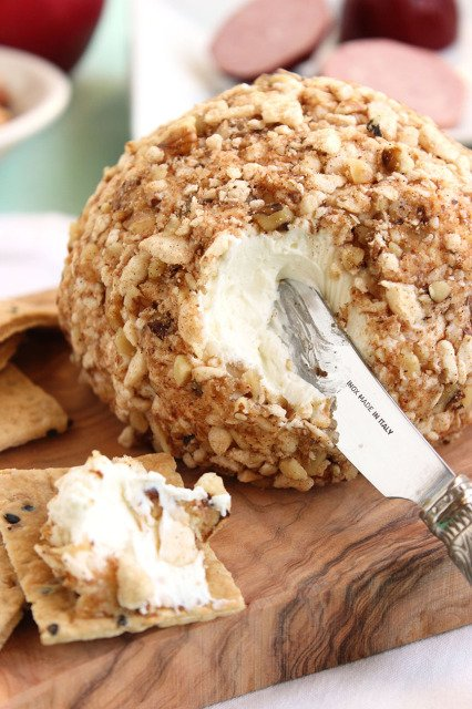 Cinnamon Apple Walnut Goat Cheese Ball | The Suburban Soapbox