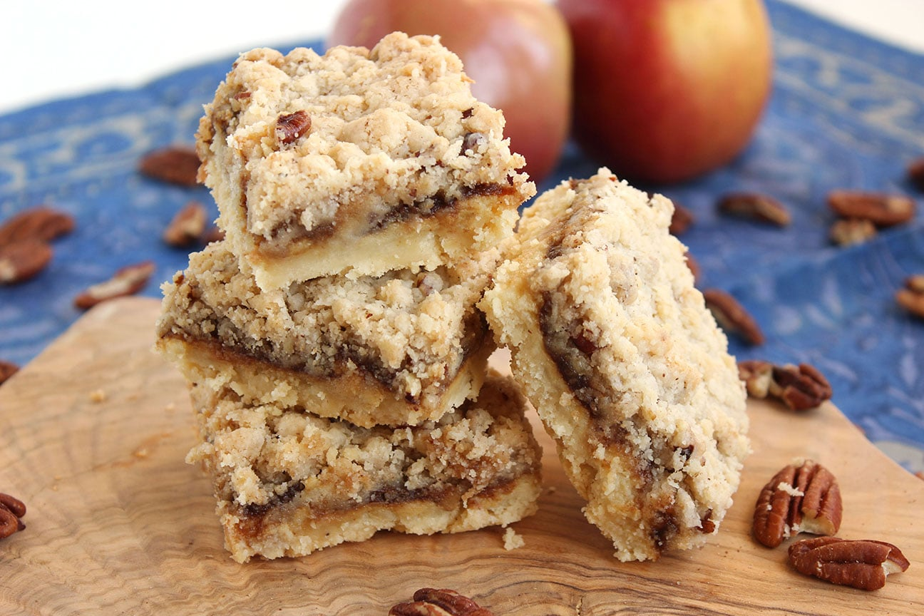 Apple Streusel Cheesecake Bars Recipe — Dishmaps