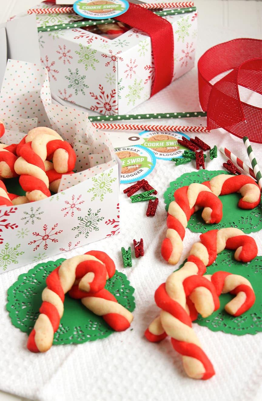 Candy Cane Shortbread Cookies - The Suburban Soapbox