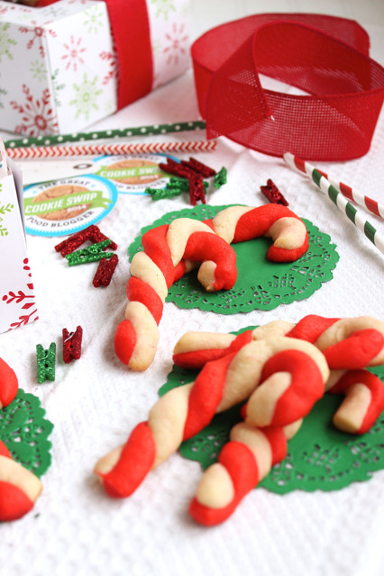 Candy Cane Shortbread Cookies | The Suburban Soapbox
