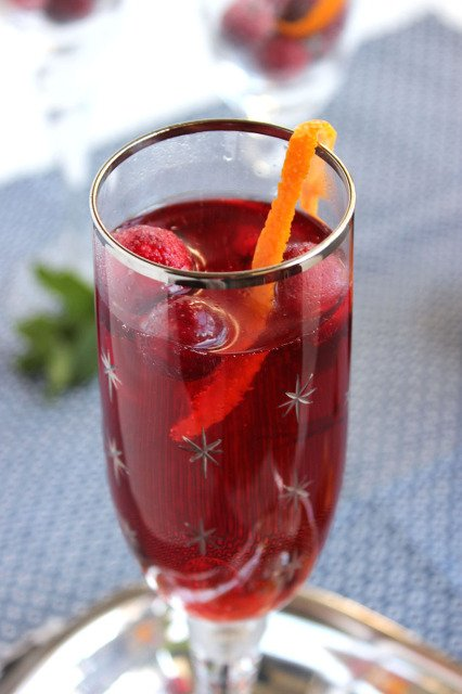 Cranberry Pomegranate Bellini | The Suburban Soapbox
