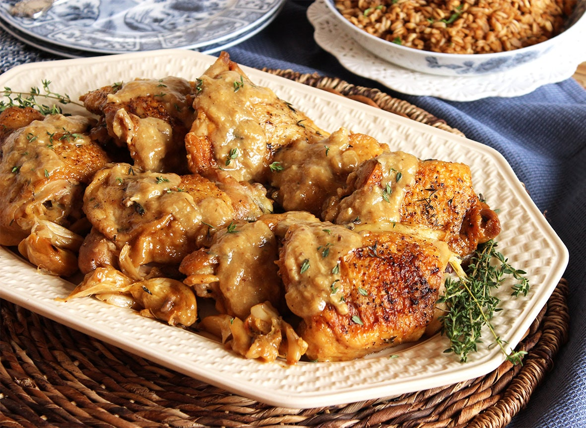 Champagne and Garlic Braised Chicken Thighs