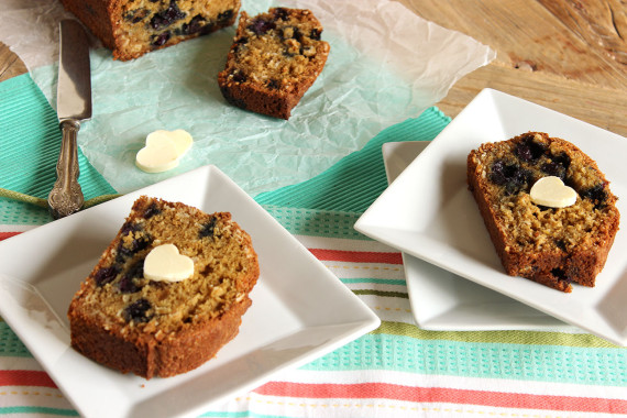 Blueberry Oatmeal Muffin Bread | The Suburban Soapbox