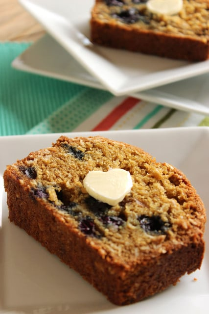 Blueberry Oatmeal Muffin Bread | The Suburban Soapbox #baking #bread #wholewheat