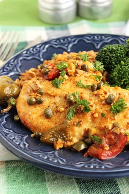 Spicy Skillet Chicken Aglio e Olio | The Suburban Soapbox #skilletdinner #cookinglight