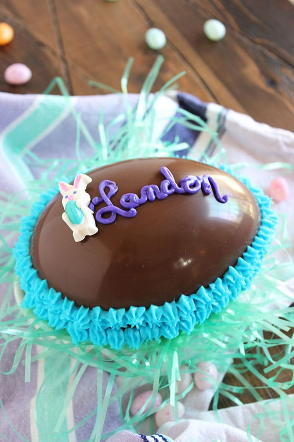 Personalized Milk Chocolate Egg Gift Box | The Suburban Soapbox #chocolateegg #candymaking #eastercandy