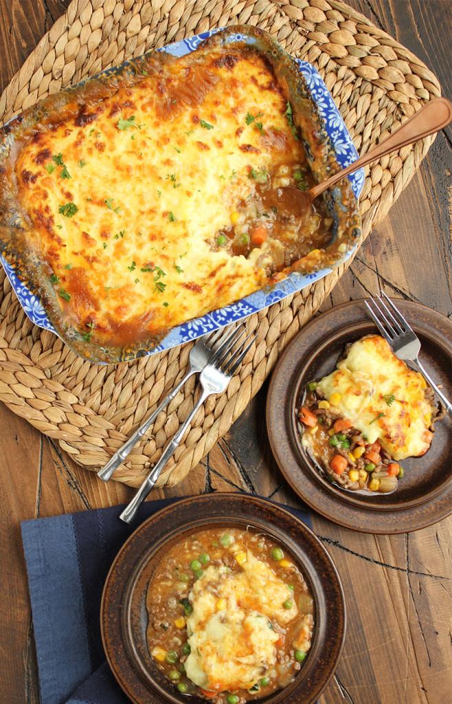 Shepherd's Pie with Alehouse Cheddar Mashed Potatoes   The Suburban Soapbox #shepherdspie #casserole #onepotmeal