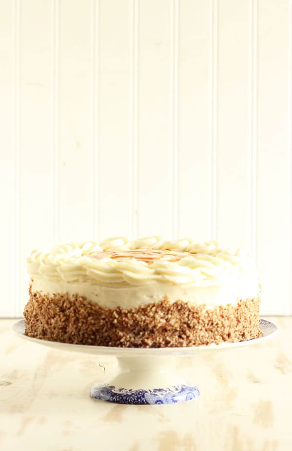 Kentucky Bourbon Butter Cake | The Suburban Soapbox #kentuckyderby #cake