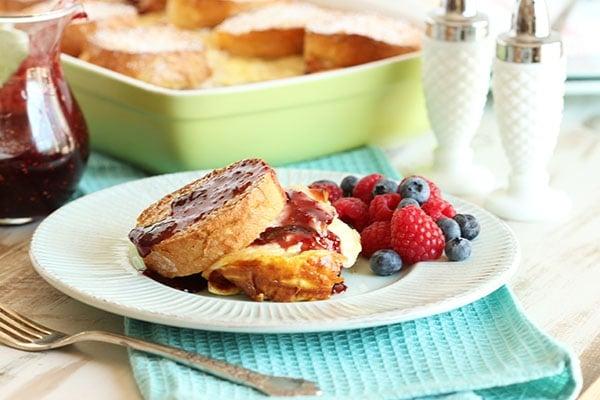 Monte Cristo Breakfast Casserole | The Suburban Soapbox #brunch #breakfast