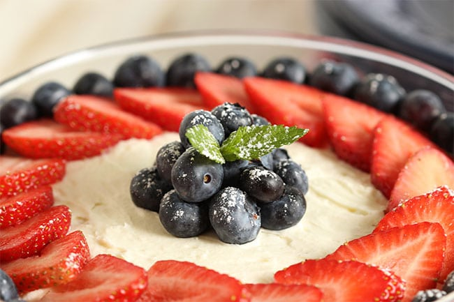 Red White and Blue Berry Tiramisu | The Suburban Soapbox #berrytiramisu #nobakedessert