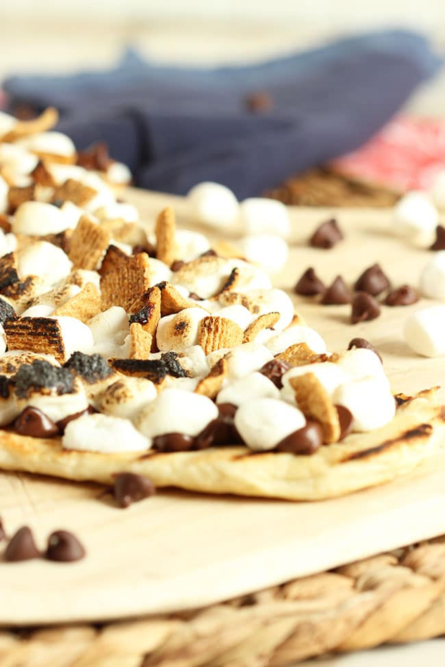 Grilled S'mores Pizza | The Suburban Soapbox #s'mores #pizza