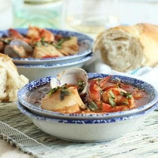 Easy Seafood Cioppino
