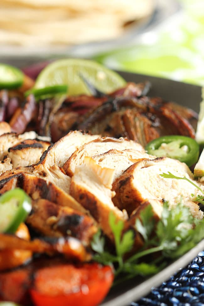 Grilled Chicken Fajitas | The Suburban Soapbox #chickenfajitas