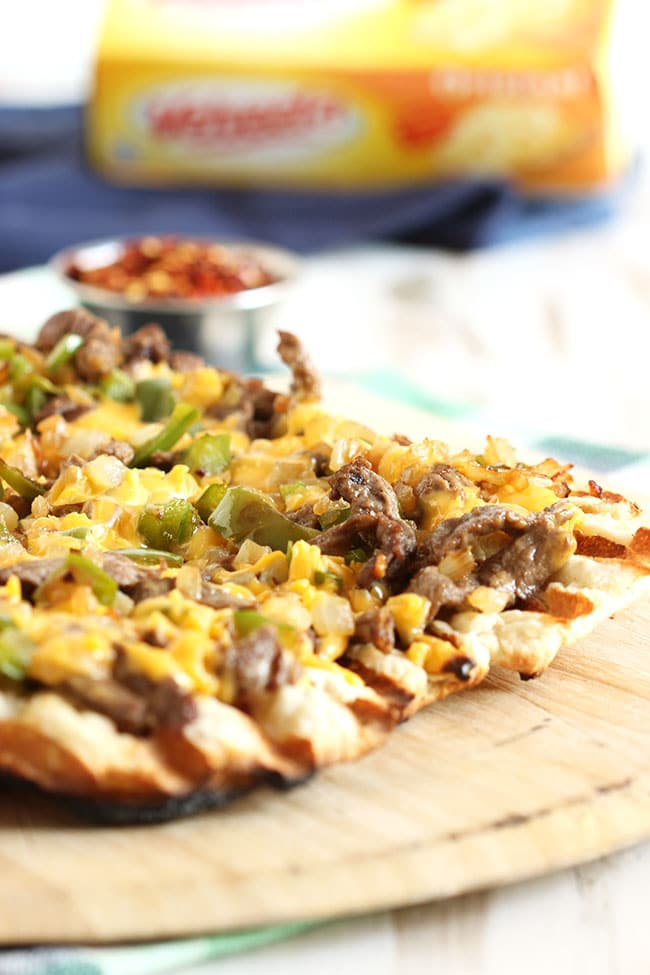 Grilled Philly Cheesesteak Pizza | The Suburban Soapbox #eatliquidgold