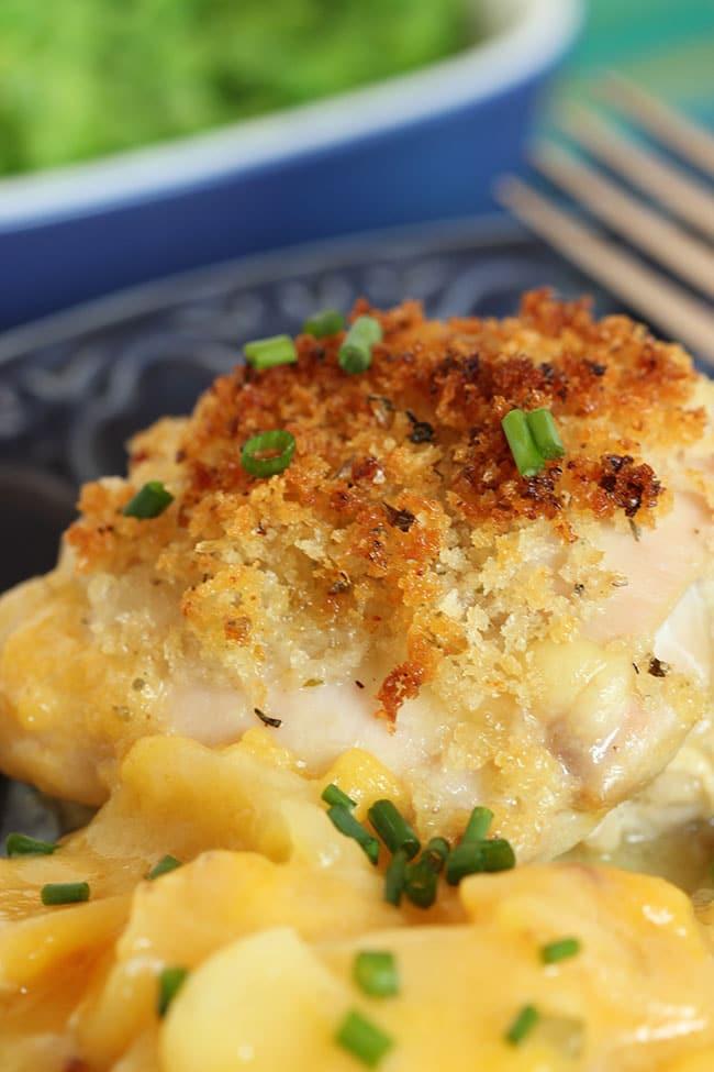 Crispy Baked Chicken with Scalloped Potatoes | The Suburban Soapbox #BTFE
