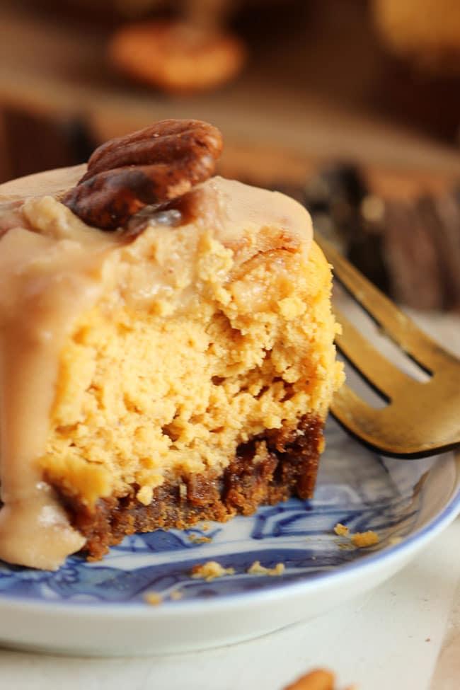 Mini Bourbon Pumpkin Praline Cheesecakes | The Suburban Soapbox