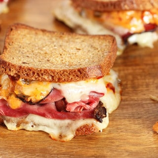 Mini Reuben Sandwiches with Spicy Russian Dressing
