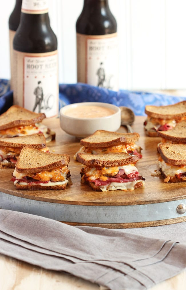 Mini Reuben Sandwiches with Spicy Russian Dressing | The Suburban Soapbox