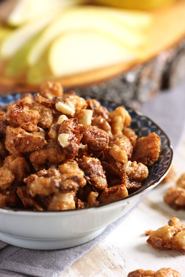 Easy Candied Walnuts | The Suburban Soapbox