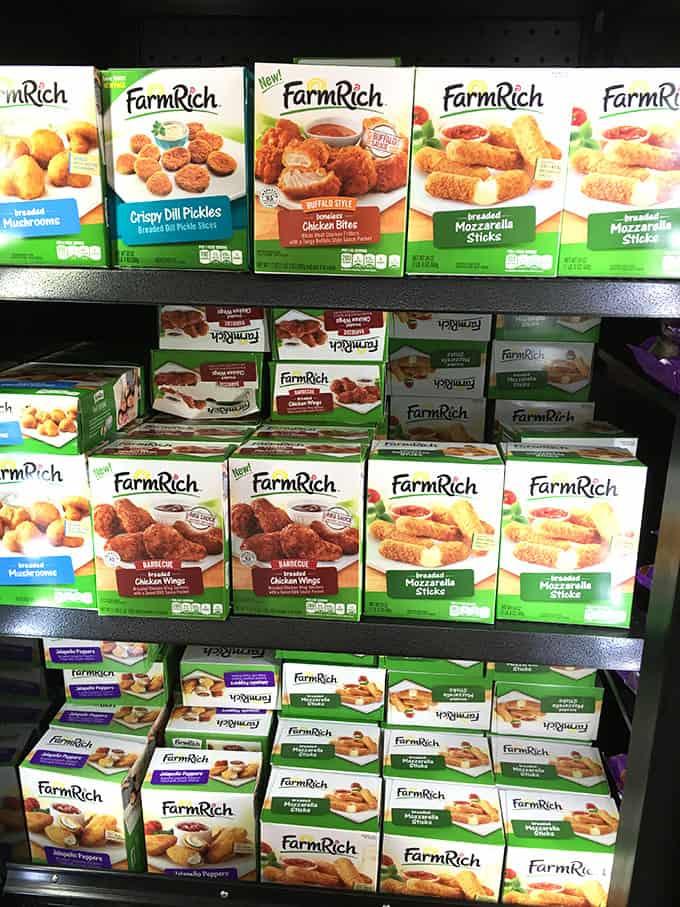 Buffalo Chicken Skewers with Spicy Avocado Ranch Dipping Sauce   TheSuburbanSoapbox.com #GameDaySnackHacks