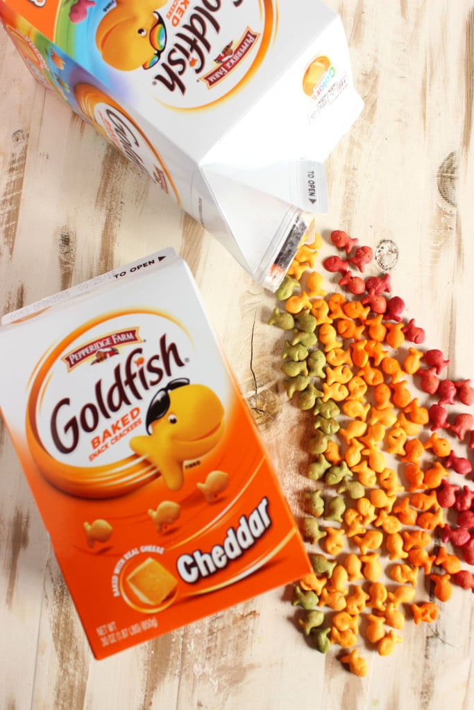 Crispy Baked Goldfish Fish Sticks | TheSuburbanSoapbox.com #GoldfishMix
