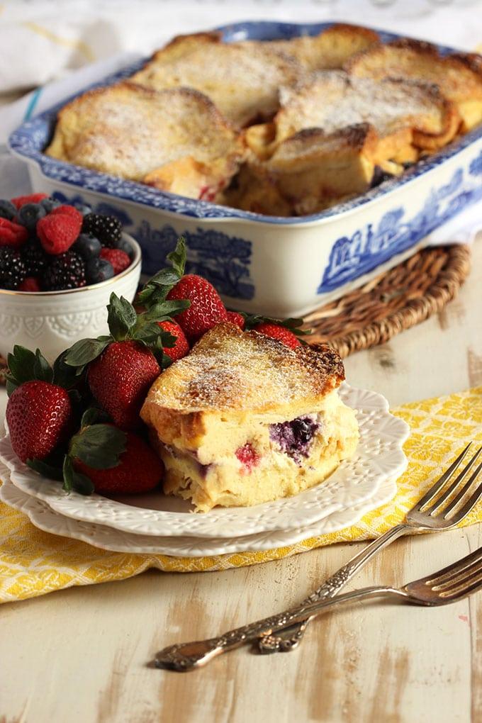 http://thesuburbansoapbox.com/wp-content/uploads/2016/03/Berry-Stuffed-Baked-French-Toast-6-.jpg
