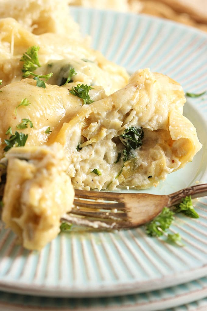 Spinach Artichoke and Chicken Stuffed Shells | TheSuburbanSoapbox.com
