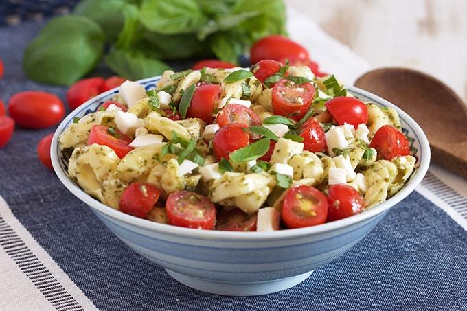 Easy Caprese Tortellini Salad