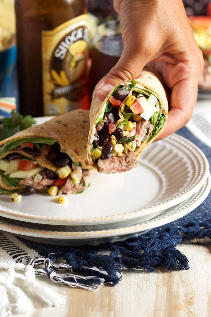 Starbucks Copycat Southwest Style Steak Wrap is the not sad desk lunch you've been waiting for. The BEST healthy wrap ever. | TheSuburbanSoapbox.com