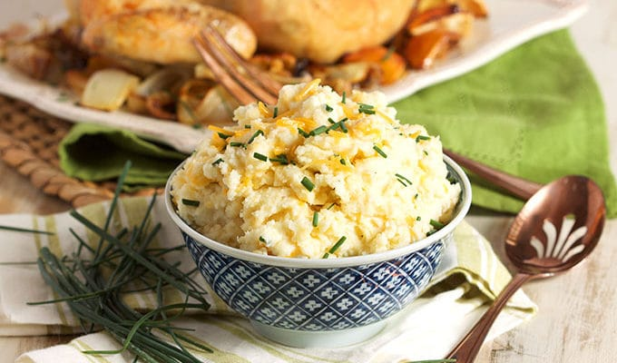Easy Cheddar Chive Mashed Potatoes