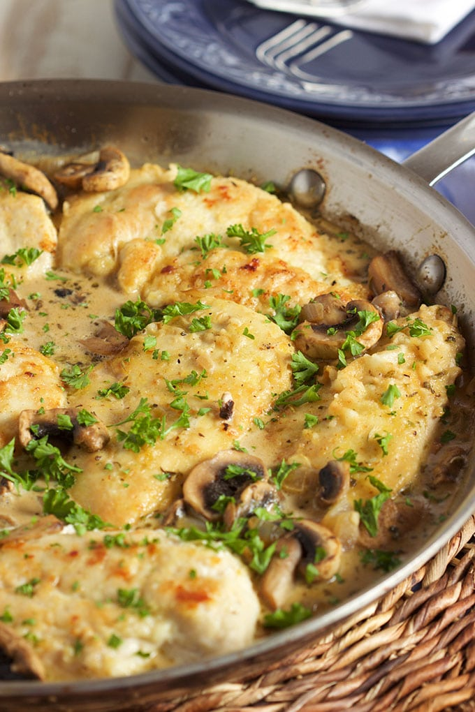Super easy to make Easy Chicken Marsala Skillet recipe is the weeknight dinner of your dreams. No more takeout ever again! | TheSuburbanSoapbox.com