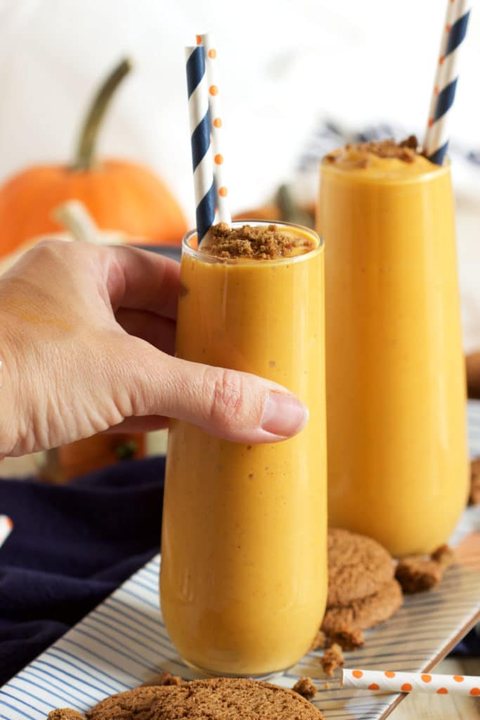 Rich, creamy and ready in 1 minute, this Pumpkin Pie Smoothie recipe is simply perfect. TheSuburbanSoapbox.com