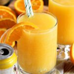 """A manly brunch cocktail fit for dad, this Manmosa Recipe is made with a mix of beer, vodka and champagne for true """"put hair on your chest"""" flavor! 