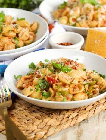 One Pot Mediterranean Tuna Pasta Skillet   TheSuburbanSoapbox.com