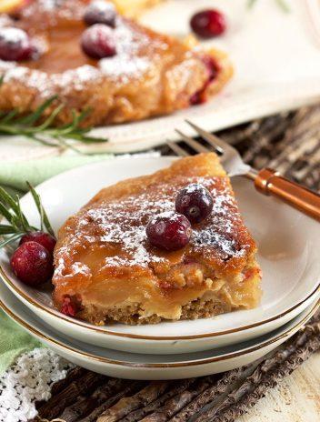 Slow Cooker Apple Cranberry Upside Down Cake   TheSuburbanSoapbox.com