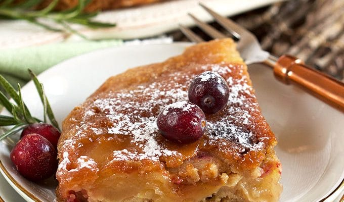 Slow Cooker Apple Cranberry Upside Down Cake