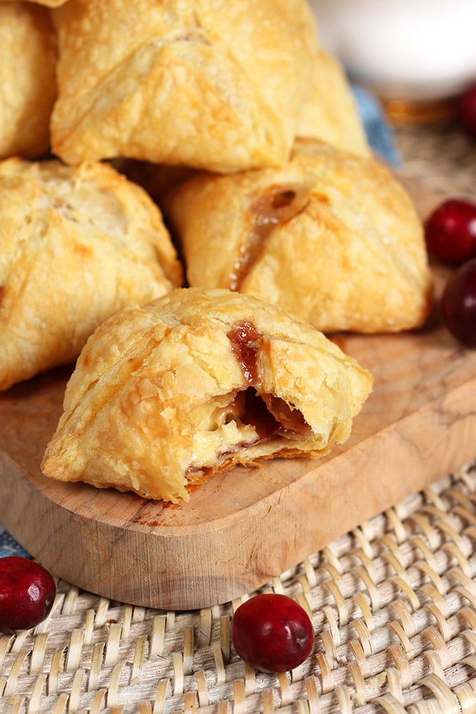 Cranberry Brie Puff Pastry Bites | TheSuburbanSoapbox.com